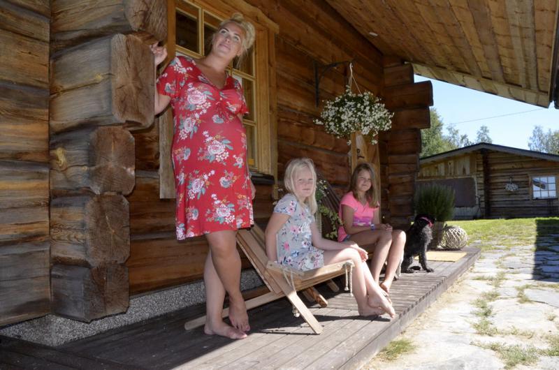 Hirsirakenteisen talon myötä Nurmi-Lehto ja hänen läheisensä ovat viettäneet Morsiussaaressa aikaa ympärivuotisesti.