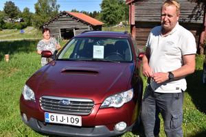 Himangan Konemyynti on Anttilan Sanna-vaimon yritys. Juha Anttila toimii omien sanojensa mukaan vain palkattomana renkinä.