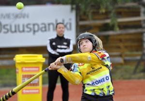 Hyvin kentälle mennyt ja kolme juoksua tuonut Petra Laakkonen kuului sunnuntaina Kuulattarien onnistujiin.