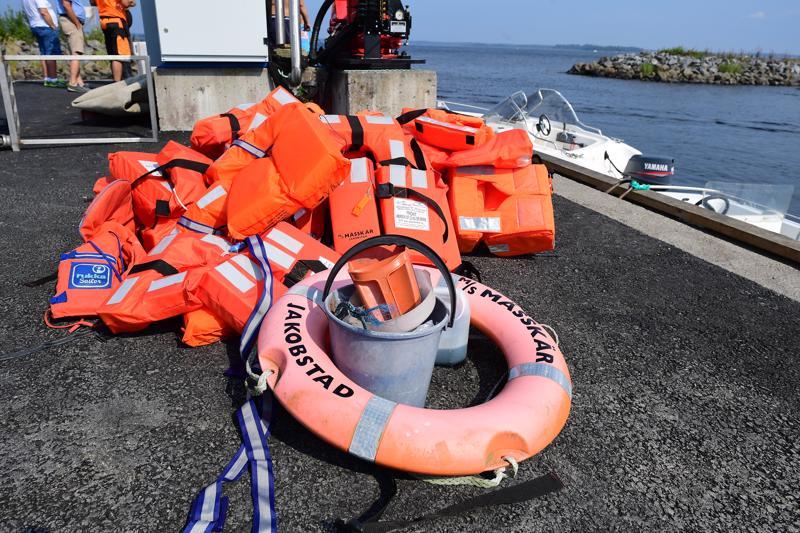 M/s Mässkärista pelastettiin 25 matkustajaa ja kaksi miehistön jäsentä.