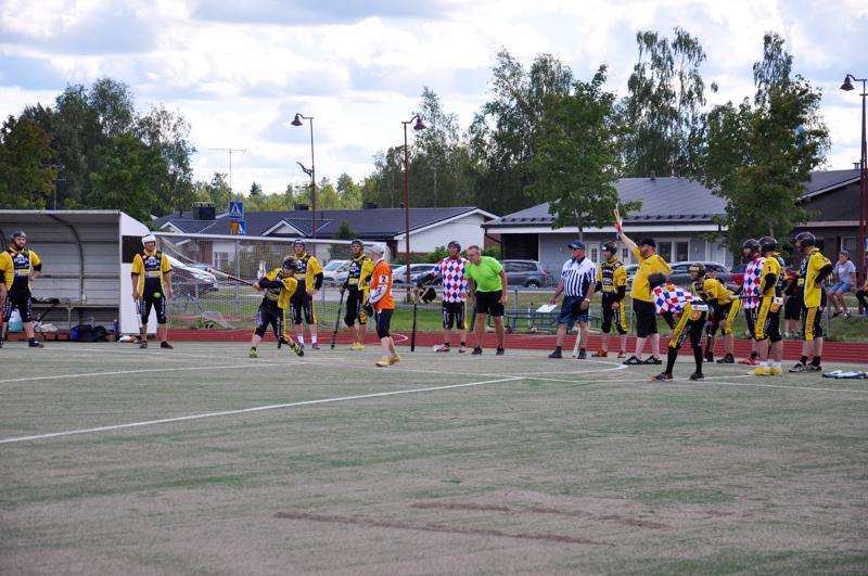 Iltapäivällä Perhon miesten pesäpallojoukkue kohtasi kotipelissään Reisjärven.