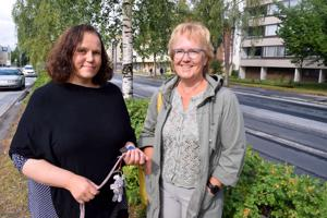 Ulla Aho (vas.) ja Karin Stenhäll käynnistelevät uuden muotoista nuorten valmennusta oman elämän hallintaan.