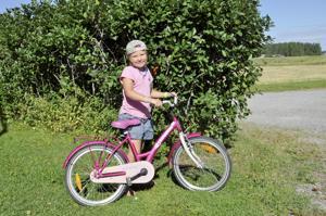 Tuttu reitti. Sara Annala aikoo kulkea koulumatkansa pyörällä kuten eskarissakin.