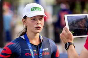 Henna Junnila pääsi lauantaina kuvattavaksi triathlonin täysmatkan Suomen mestarina.