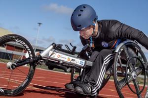 Tuomo Himanka kellotti viikko sitten 100 metrin ennätyksensä uusiksi. Parayleisurheilun EM-kisoissa Himangan tavoitteena on finaalipaikka.
