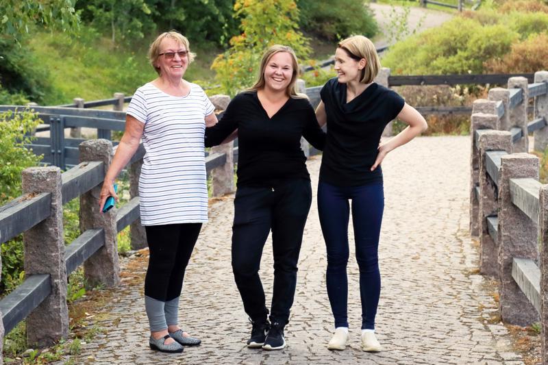 Anneli Vähäkangas, Sanni Marjakangas ja Sanna Lappinen toivovat Nice Run –tapahtuman muodostuvan perinteeksi Kototuotteessa. Joukkueessa ovat mukana myös Tiina Kurunlahti, Anne Laakkonen, Sirpa Jaakola ja Paula Rahkala.