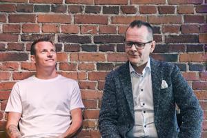 Formulakuski Kimi Räikkönen ja kirjailija Kari Hotakainen ovat kumpikin harvasanaisia miehiä.