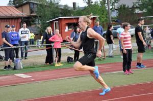 Mikko Laaksonen vei voiton 100 metrin juoksussa Vetelissä.