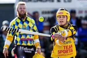Eetu Isohanni toi Uran voittojuoksun supervuorossa.