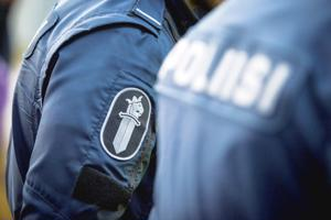 Poliisi pyytää mahdollisilta silminnäkijöiltä vihjeitä viikonloppuna tapahtuneista asuntomurroista.