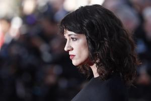 Asia Argento kuvattuna Cannesin elokuvajuhlilla toukokuussa 2018.