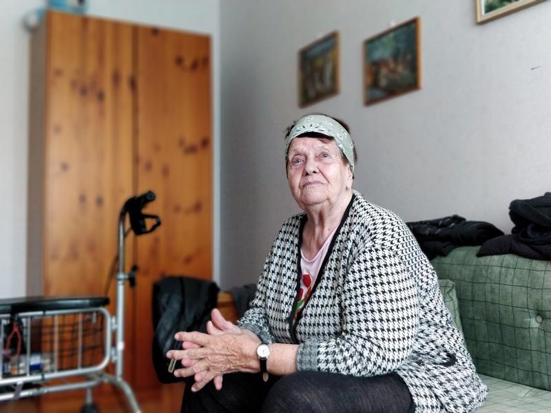 Bertta Olli suree lähtöä Maskenista, mutta ajattelee, että uudessakin kodissa on varmaan hyvä jatkaa eläkeläisen elämää.