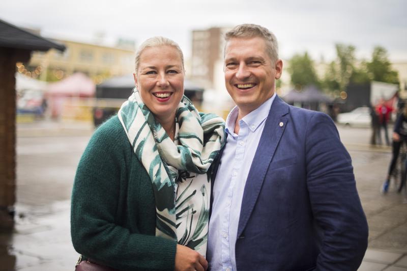 Juha Mustonen on tutustunut vaimonsa Jutta Urpilaisen kautta venetsialaisiin eli huvilakauden päättäjäisiin.