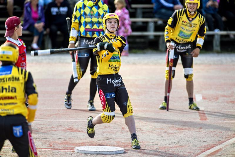 Miika Kanala löi Uran ratkaisevan voittojuoksun.
