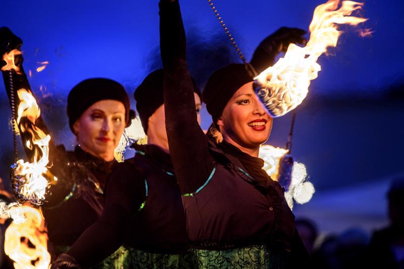 Jutta Aalto, Heli Ranki ja Laura Koskinen esiintyivät Kokkolan Venetsialaisilla neljättä kertaa. Ensimmäistä kertaa ryhmä on ollut mukana Venetsialaisissa 2015.