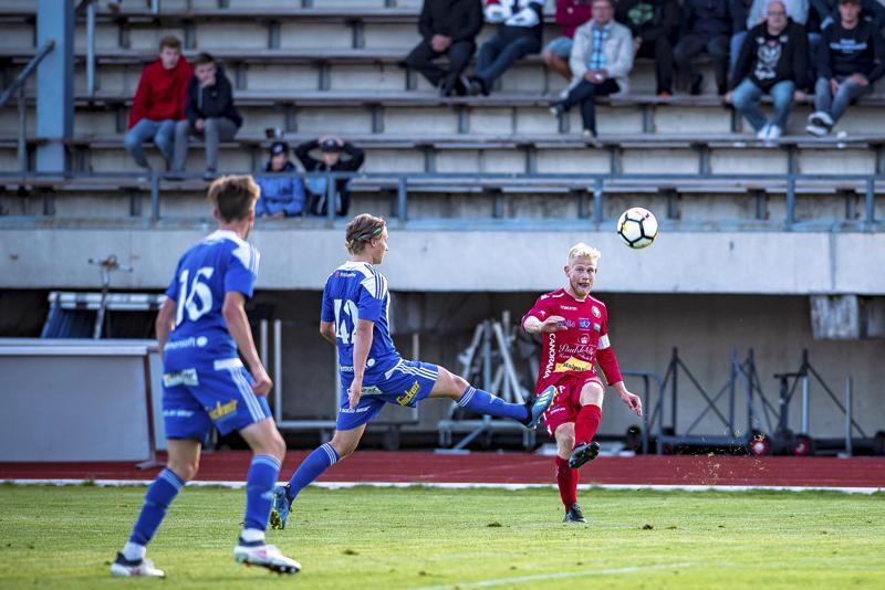 Jaron toisen maalin laukonut Thomas Kula palkittiin joukkueensa parhaana.