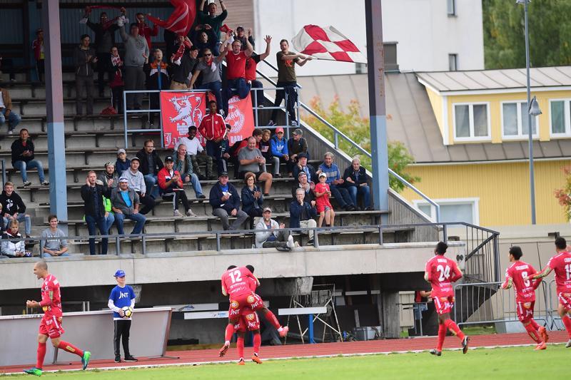 Kauden kolmannessa Rantaderbyssä oli punaisten vuoro juhlia. Jaro voitti kotikentällään KPV:n maalein 3-0.