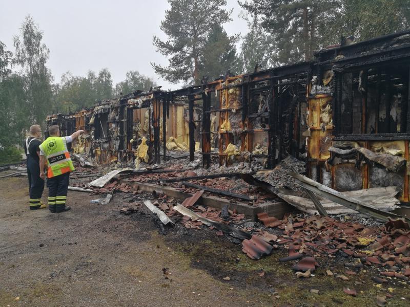 Säisänkujan rivitalon tuhonnut tulipalo sai alkunsa hellan ympäristöstä asunnosta, jossa asukas oli ollut ruuanlaitossa.