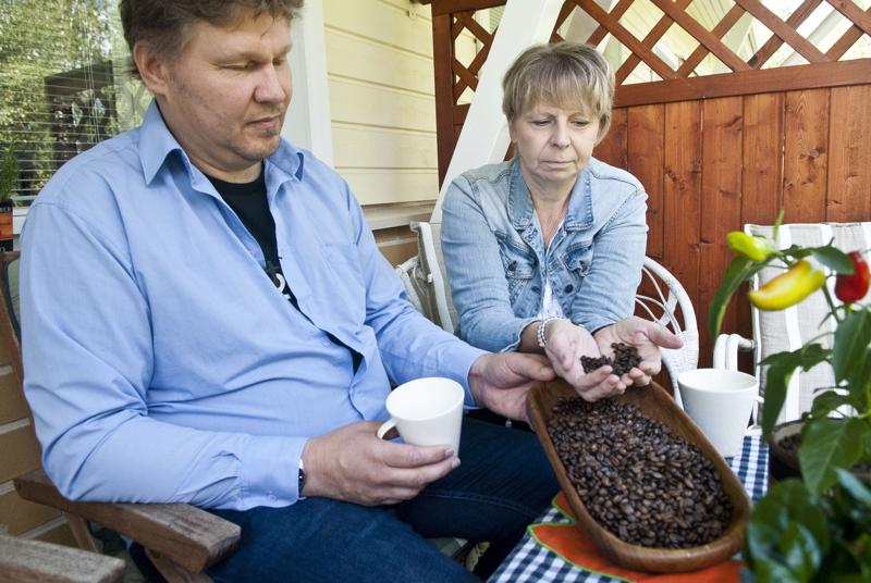 Jouni ja Minna Salo ovat perustaneet pienpaahtimo Windy Hill Coffee Roastin ja suunnittelevat kahvilan avaamista Kokkolaan.