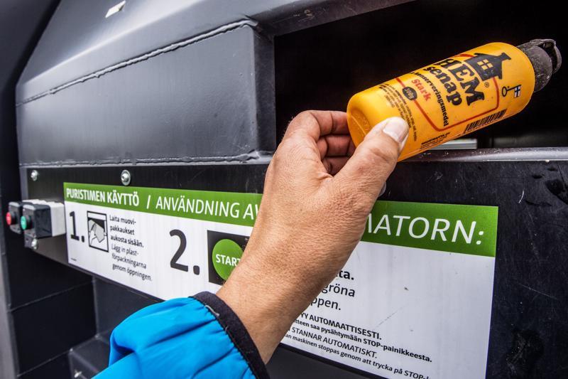 Tällä hetkellä Ekoroskin alueella on muovinkeräyspisteet vain Kokkolassa ja Pietarsaaressa.
