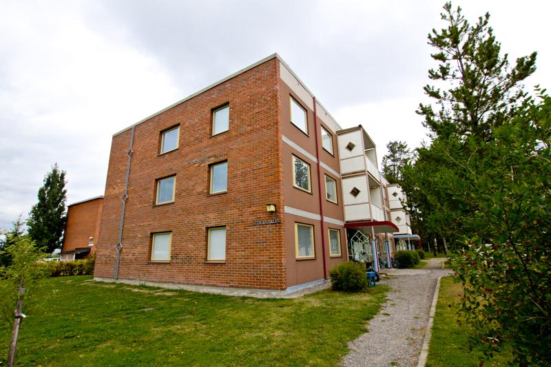 Haapajärven perhekeskus muutti Vitikantie 7:ään. Entistä isompien ja vapaammin käytössä olevien tilojen ohella johtava terveydenhoitaja Marja-Leena Lehtomäki pitää uuden paikan etuna sen läheisyydessä sijaitsevaa puistoaluetta.