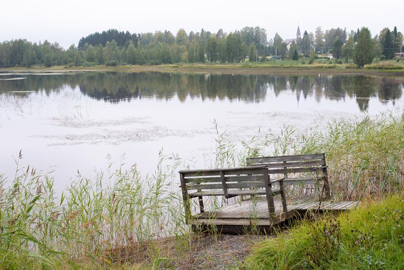 """Vuohtajärven vesi on matalalla kuten kaikissa muissakin järvissä. """"Sitä ei kuitenkaan ole juoksutettu tarpeettomasti minnekään, sillä vettä ei vain yksinkertaisesti ole missään"""", Sami Puputti sanoo."""
