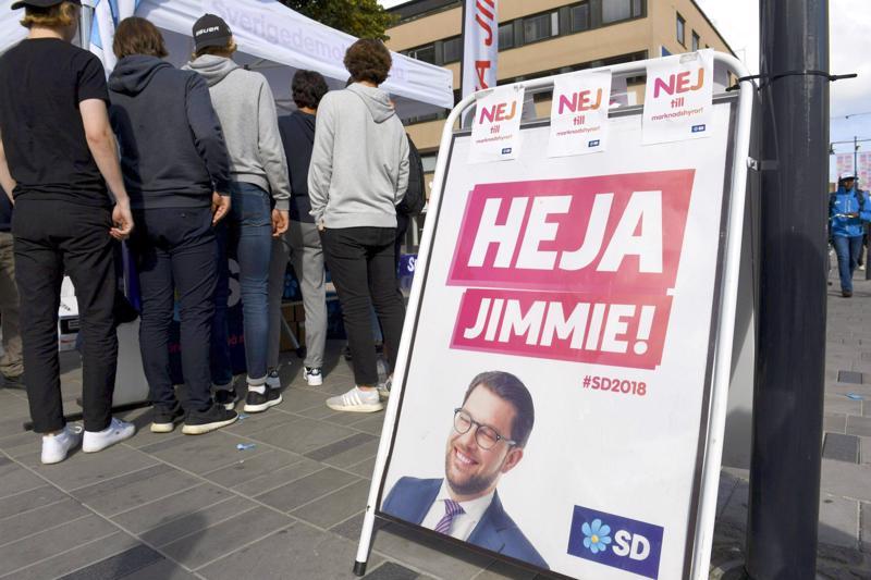 Vaa´ankieliasemaan? Ruotsidemokraattien Jimmie Åksesson saattaa nousta temppelin harjalle, kun Ruotsiin muodostetaan uutta hallitusta.