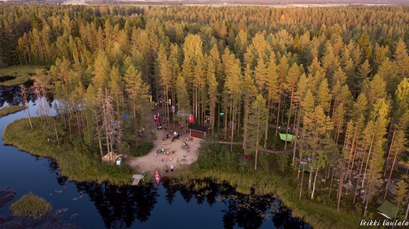 Törmäjärven metsähotelli oli erittäin suosittu nukkumapaikka viime viikonloppuna.