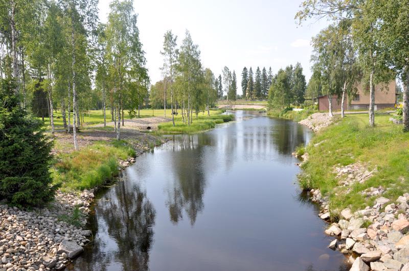 Joki ja sama perustamisvuosi yhdistää Perhonjokilaakson kuntia. Torstaina 13.9. ilmestyi Perho 150-juhlaliite.