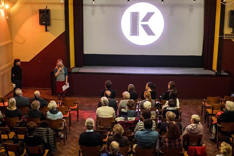 Kinojuhlien sunnuntai avattiin Kokkola- ja Keski-Pohjanmaa -aiheisella elokuvakimaralla vuosilta 1945–1969. Paikkana oli Kokkolan Työväentalo.