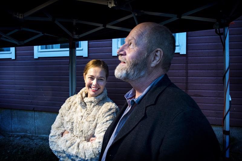 Oona Airola ja Markku Pölönen esittelivät juhlilla uutta Oma maa -elokuvaa.