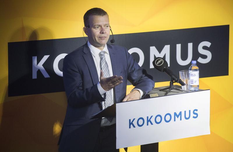 Kokoomuksen puheenjohtaja, valtiovarainministeri Petteri Orpo sanoo Antti Rinteen muuttaneen sote-kantaansa.