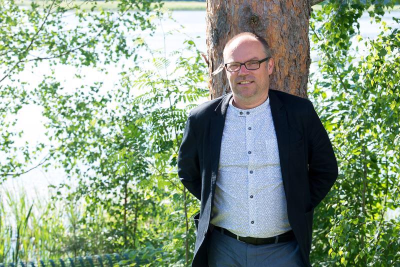 Mikko Kinnunen on keskustan ehdokkaana seuraavissa eduskuntavaaleissa. Hän työskentelee Reisjärven kristillisen opiston rehtorina.