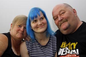 Tarja ja Jukka Pusa ovat onnellisia siitä, että tytär Tia-Maria Pusa tuntuu kuntoutuvan edelleen, vaikka ennuste sairastumisen jälkeen oli synkkä.
