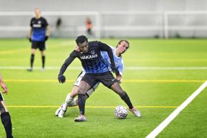 Interin Abdoulie Mansallyn otteet HJK-pelin loppuhetkillä herättivät epäilyksiä ottelumanipulaatiosta. Arkistokuva on Suomen cupin ottelusta Inter–TPS.