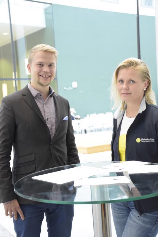 Heidi Matinlassi kiinnostui Jaan Siitosen esittelemästä hankkeesta.