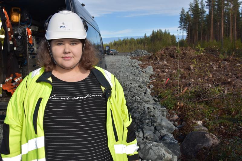 Yli 10 kilometriä jo valmista. Wpd Finland aloitti Kuuronkallion tuulipuiston rakentaminen parantamalla teitä. – Tuulimyllyjen rakentaminen alkaa vasta ensi kesänä, kertoo työmaainsinööri Hanna Lehojärvi.