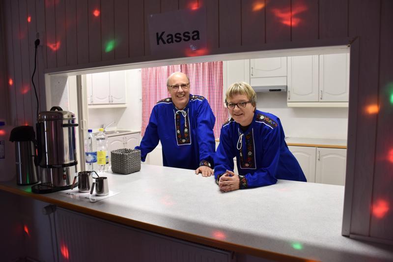 Guido Honegger ja Irja-Liisa Honegger-Sannikka haluavat tanssikahvilallaan tuoda ihmisille iloa.