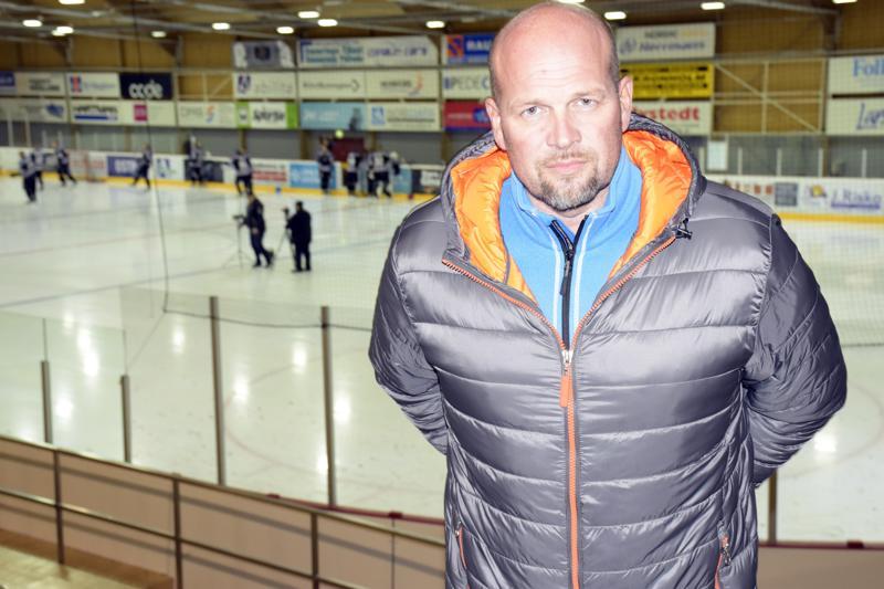 Tomi Joki on tyytyväinen tämän kauden Jeppis Hockeyn joukkueeseen.- Tällä materiaalilla saadaan pidettyä pelin tempo korkealla, mies tuumii.