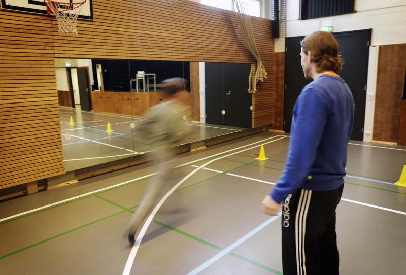 Liikuntatunnin Move-mittauksiin kuuluvan 20 metrin piip-viivajuoksutestin seurauksena Espoossa sairaalassa kuolleen oppilaan tapaus sai muutaman kunnan keskeyttämään Move-mittaukset.