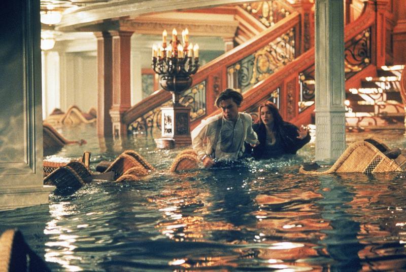 Leonardo DiCaprio ja Kate Winslet ikimuistoisissa rooleissa Titanicissa, joka voitti 11 Oscaria.