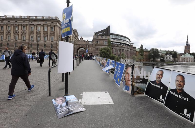 Vaalien jälkeisenä päivänä 10. syyskuuta vaalimainokset olivat yhä paikoillaan Ruotsin valtionpäivien lähellä.