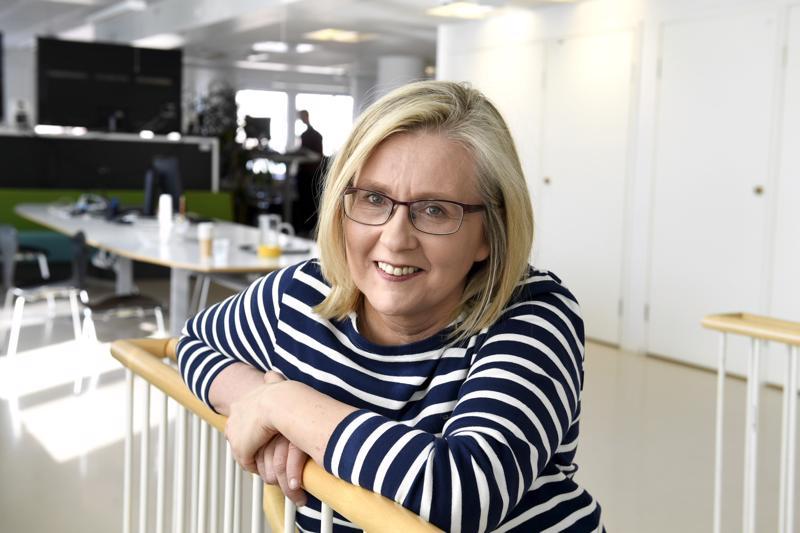 Minna Holopainen on työskennellyt STT:llä vuodesta 1997 ja uutispäätoimittajana vuodesta 2010. STT:n vastaavana päätoimittajana hän aloittaa 1. lokakuuta.