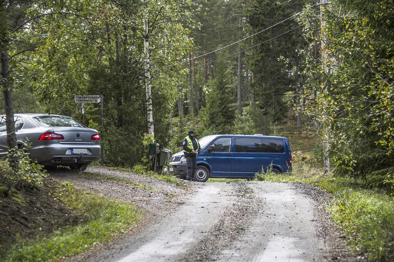 Raskaasti aseistettujen viranomaisten operaatio Turun saaristossa herätti viikonloppuna laajaa huomiota.