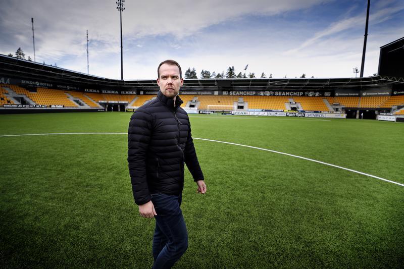 SJK:ssa Sami-Petteri Kivimäki pääsee työskentelemään ammattilaisorganisaatiossa ja vieläpä omassa synnyinkaupungissaan.