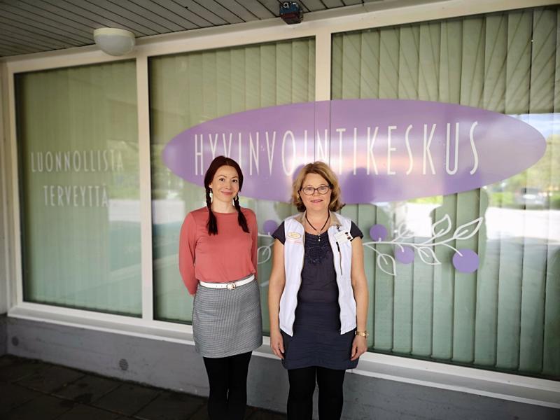 Heidi Jämsän luontaishoitola Sunvire ja Annika Forsin Laserakupunktio Annika muodostavat yhdessä Hyvinvointikeskuksen.