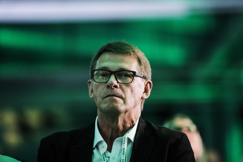 Matti Vanhanen halusi kesken pääministerin tehtävän metsäteollisuuden johtoon. Metsäteollisuuden patruunat eivät innostuneet ehdotuksesta.
