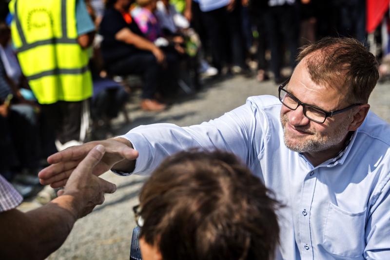Pääministeri Juha Sipilän syksy on täynnä tapaamisia ja tapahtumia. Viime kuussa hän ennätti piipahtamaan Ylivieskassa, nyt on vuorossa juhlapuhe Perhossa.(arkistokuva Ylivieskasta)