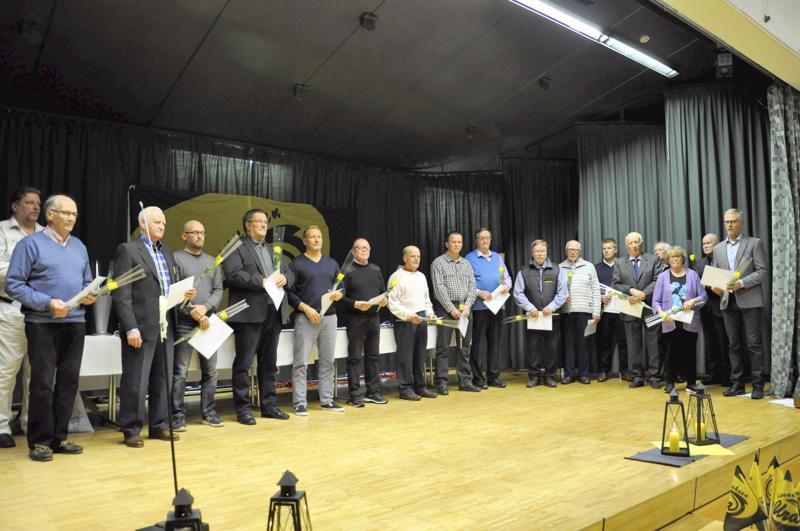 Kannuksen Uran 50-vuotisjuhlassa seuran pitkäaikaisia aktiiveja huomioitiin nimeämällä joukko kunniajäseniä.