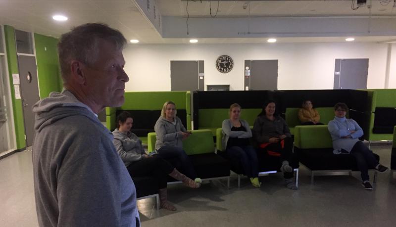 Markku Harju toimi eläintenviikon luennoitsijana Kokkolassa Vingen talolla järjestetyssä tilaisuudessa